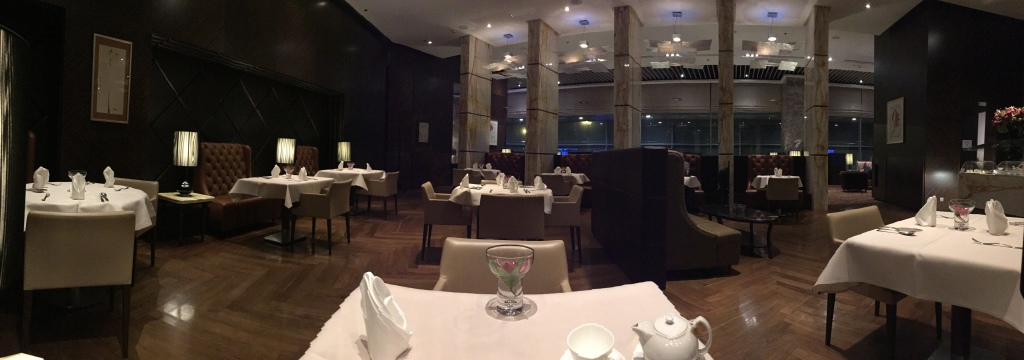 panoramic-dining-room